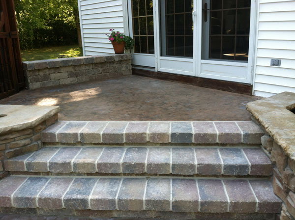 Mortared Brussel Patio Steps with Concrete Landing